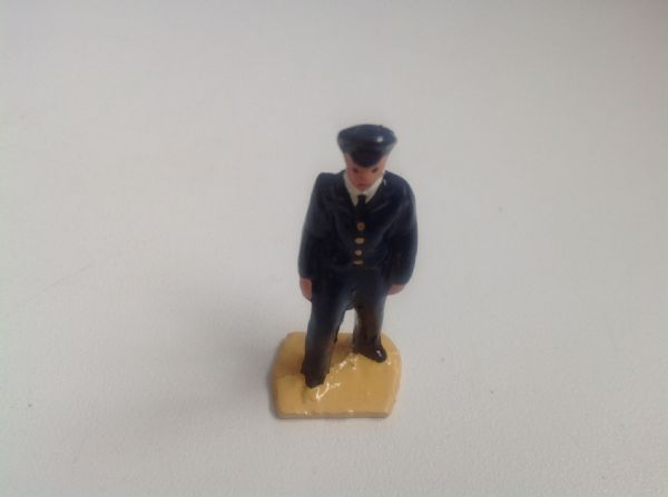 Painted White Metal O ' Gauge Figure 13